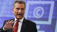 epa05061202 EU Commissioner for the Digital Economy and Society Guenther Oettinger speaks at a news conference on the Digital Single Market Strategy at the European Commission headquarters in Brussels, Belgium, 09 December 2015. The Commission on 09