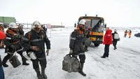 epa05182247 A handout picture released by the Vorkutaugol press service on 26 February 2016 shows rescue workers at  the Severnaya coal mine in Vorkuta, about 1,900 km northeast of Moscow, Russia, 26 February 2016. Four people were killed and 26 miners