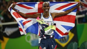 epa05504145 Mo Farah of Great Britain celebrates winning the men's 5000m Final race of the Rio 2016 Olympic Games Athletics, Track and Field events at the Olympic Stadium in Rio de Janeiro, Brazil, 20 August 2016.  EPA/DIEGO AZUBEL