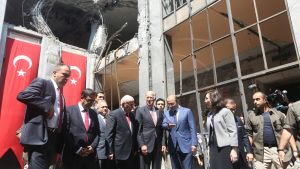 epa05508452 U.S Vice President Joe Biden (C) visits a destroyed part of the Turkish Parliament in Ankara, Turkey, 24 August 2016. Biden is on a one day visit to Turkey during which it is expected that the extradition of Fethullah Gulen will be one of the
