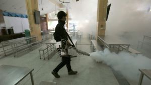 epa05563190 (FILE) A file picture dated 13 September 2016 shows a Thai health official spraying chemicals to kill mosquitos in the Sathon district of Bangkok, Thailand. Thai health officials have confirmed on 30 September 2016, two cases of newborns