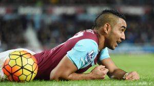 epa05121432 West Ham Dimitri Payet in action during the English Premier League game between West Ham United and Manchester City at the Boleyn ground in London, Britain, 23 January 2016. EPA/FACUNDO ARRIZABALAGA EDITORIAL USE ONLY. No use with