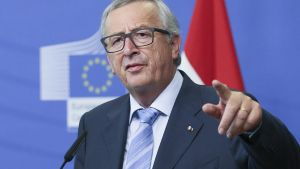 epa05383300 European Commission President Jean-Claude Juncker comments on the Brexit campaign during a meeting with the media in Brussels, Belgium, 22 June 2016. Reports on 21 June indicated that survey showed that 45 per cent of the voters are inclined