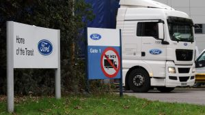 epa03446097 The Ford transit van factory in Southampton, Britain, 25 October 2012. US carmaker Ford said 25 October that it would shed 1,400 jobs in Britain and that it expected its losses in Europe this year to exceed 1.5 billion dollars. Two British