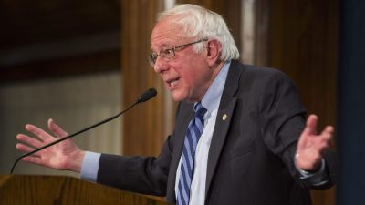 epa05286352 Democratic Presidential candidate Bernie Sanders holds a press conference to speak about the future prospects of his campaign at the National Press Club in Washington, DC USA, 01 May 2016. Today is the one-year anniversary of Senator Sander&
