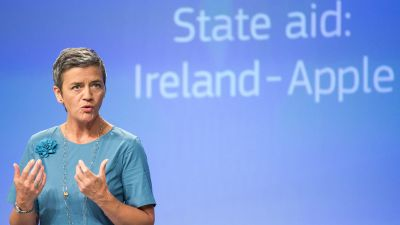 epa05515152 Danish EU Commissioner for Competition Margrethe Vestager speaks at a news conference on a case illegal tax benefits to Apple at the European Commission, in Brussels, Belgium, 30 August 2016. Ireland gave illegal tax benefits to Apple worth up