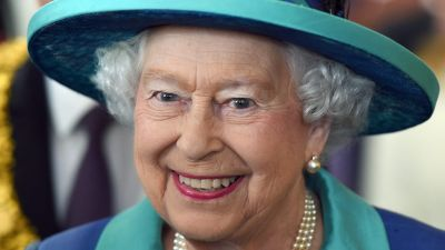 epa04912834 (FILE) The file picture dated 25 June 2015 shows Britain's Queen Elizabeth II attending an event at the Paulskirche (Paul's Church) in Frankfurt am Main, Germany. Queen Elizabeth II will become the longest ever reigning monarch in