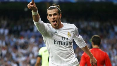 epa05289898 Real Madrid's Welsh winger Gareth Bale celebrates after scoring the 1-0 lead during the UEFA Champions League semi final, second leg soccer match between Real Madrid and Manchester City at Santiago Bernabeu stadium in Madrid, Spain, 04