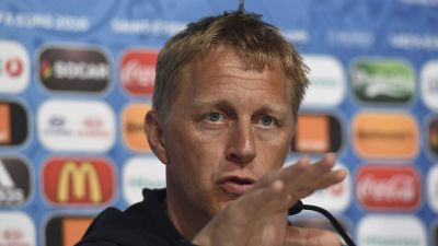epa05362263 Iceland assistant coach Heimir Hallgrimsson during the Iceland press conference on June 13, 2016 in Saint-Etienne, France. Iceland will face Portugal in the UEFA EURO 2016 group F preliminary round match in Bordeaux on 14 June 2016.