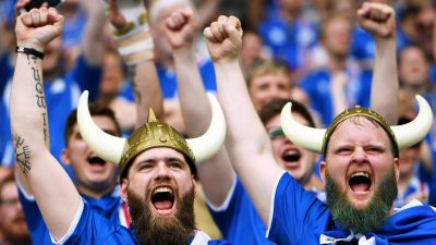 epa05383546 Iceland fans before the UEFA EURO 2016 group F preliminary round match between Iceland and Austria at Stade de France in Saint-Denis, France, 22 June 2016.