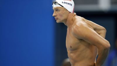 epa05471687 Ryan Lochte of the US prepares himself before competing in the men's 200m Individual Medley (IM) Heats during the Rio 2016 Olympic Games Swimming events at Olympic Aquatics Stadium at the Olympic Park in Rio de Janeiro, Brazil, 10 August