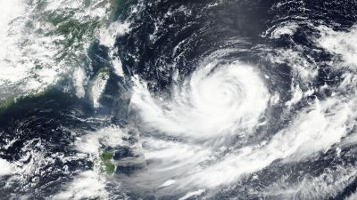epa05511551 A handout picture made available by NASA on 27 August 2016 shows Typhoon Lionrock acquired by the Visible Infrared Imaging Radiometer Suite (VIIRS) on the Suomi NPP satellite at 11:05 local time (04:05 UTC) as it gathers strength off the east