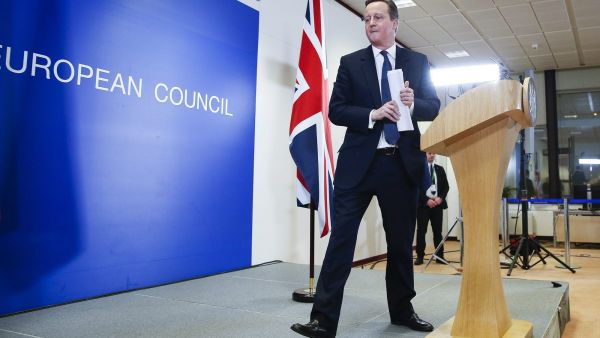 epa05171274 Britain's Prime Minister David Cameron holds a news conference after the second day of an extraordinary two-day EU summit at EU the headquarters in Brussels, Belgium, 19 February 2016. Negotiations over a reform deal that is meant to keep