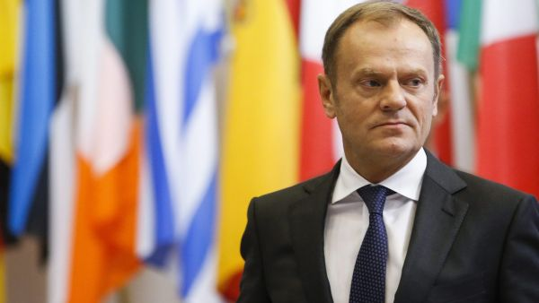 epa05001507 EU Council President Donald Tusk prior to a meeting in Brussels, Belgium, 29 October 2015.  EPA/OLIVIER HOSLET