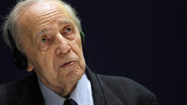 epa04668930 (FILE) The file picture dated 19 June 2013 shows French composer and conductor Pierre Boulez attending a press conference in Madrid, Spain. Boulez will turn 90 on 26 March 2015.  EPA/BALLESTEROS