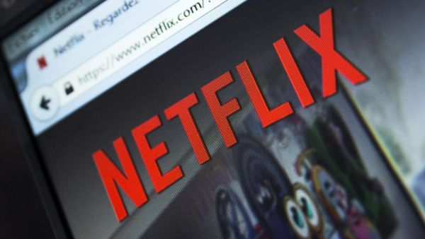 epa05090583 (FILE) A file picture dated 15 September 214 of the French Netflix webpage displayed on a computer screen in Paris, France. Video streamer Netflix on 06 January 2016 went live around the world, adding 130 new countries to its service and