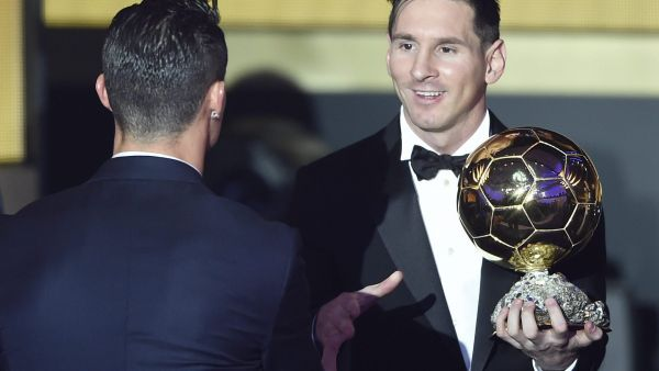 epa05097680 Argentina's Lionel Messi (R) is congratulated by Portugal's Cristiano Ronaldo after winning the FIFA Men's soccer player of the year 2015 prize during the FIFA Ballon d'Or awarding ceremony at the Kongresshaus in Zurich,