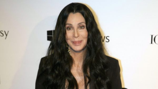 epa04699679 US singer Cher arrives for the benefit gala 'Inspiration' promoted by the American Fundation for the Investigation against Aids (amfAR) in Sao Paulo, Brazil, 10 April 2015.  EPA/SEBASTIAO MOREIRA