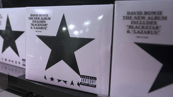 epa05097508 Copies of David Bowie's latest album called 'Backstar' on sale at HMV store in Central London, Britain, 11 January 2016. The British musican died on 10 January 2016 at the age of 69 after an 18-month battle with cancer.  EPA
