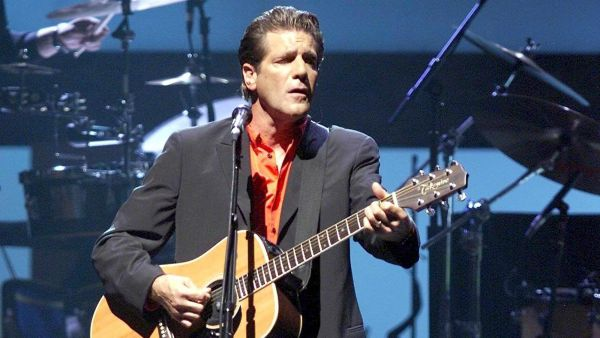 epa05109653 A file picture dated 13 July 2001 shows The US band 'The Eagles' with Glenn Frey on the guitar perform on their European tour at the Hallenstadion in Zurich, Switzerland. Glenn Frey has died at age 67, according to media reports on