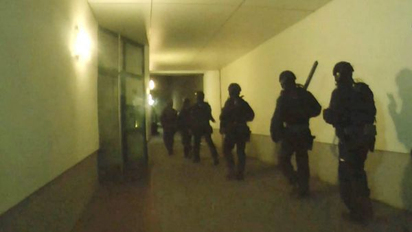 epa05114056 A handout photo provided by the German Federal Police (Bundespolizei) on 20 January 2016 shows a scene grab from a Bundespolizei video taken during a police operation in Berlin the same day and presented at press conference at the Federal