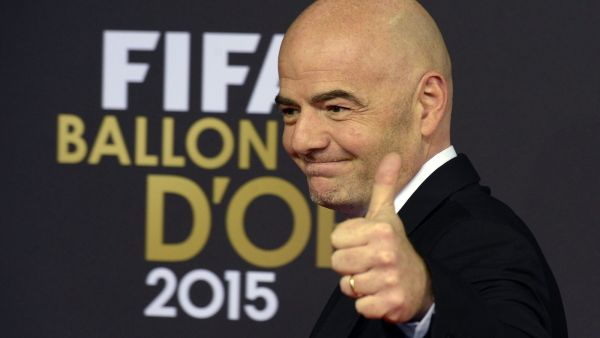 epa05097568 UEFA General Secretary Gianni Infantino arrives on the red carpet prior to the FIFA Ballon d'Or awarding ceremony at the Kongresshaus in Zurich, Switzerland, 11 January 2016.  EPA/WALTER BIERI