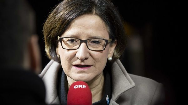 epa05124257 Austria's Interior Minister Johanna Mikl-Leitner speaks to reporters upon arrival prior to a informal meeting of the EU-ministers of Interior and Justice at the Scheepsvaartmuseum (Maritime Museum) in Amsterdam, The Netherlands, 25
