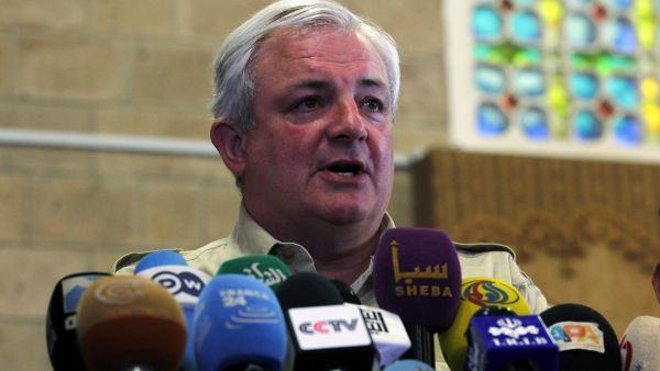 epa04879858 UN Humanitarian Chief, Stephen O?Brien, speaks to reporters during a press conference in Sana?a, Yemen, 11 August 2015. According to local reports O?Brien is visiting Yemen to gauge the catastrophic humanitarian impact of the conflict in the