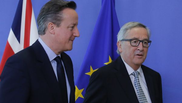 epa05164261 British Prime Minister David Cameron (L) is welcomed by European Commission President Jean-Claude Juncker prior to a meeting at EU headquarters in Brussels, Belgium, 15 February 2016. Prime Minister David Cameron has in recent weeks been