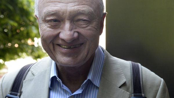 epa04746415 British Labour Party member and former Mayor of London Ken Livingstone arrives for a meeting at the Labour Headquarters in London, Britain, 13 May 2015. Labour's national executive committee is holding a meeting to draw up a timetable to