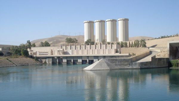 epa04346251 (FILE) A file picture dated 01 November 2007 show a general view of the Mosul dam on the Tigris River, around 50km north of Mosul, northern Iraq. According to Iraqi officials, fighters of jihadist Islamic State (IS or formerly known as ISIS)