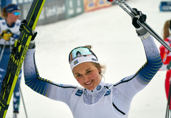 epa07458946 Stina Nilsson of Sweden celebrates her victory in the women 10.km Mass FIS Cross Country World Cup in Quebec, Canada, 23 March 2019.  EPA-EFE/ANDRE PICHETTE  EPA-EFE/ANDRE PICHETTE