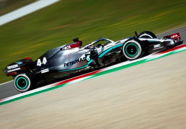 epa08249653 British Formula One driver Lewis Hamilton of Mercedes AMG GP in action during the official Formula One pre-season testing at Barcelona-Catalunya circuit in Montmelo, near Barcelona, Spain, 26 February 2020.  EPA-EFE/ENRIC FONTCUBERTA