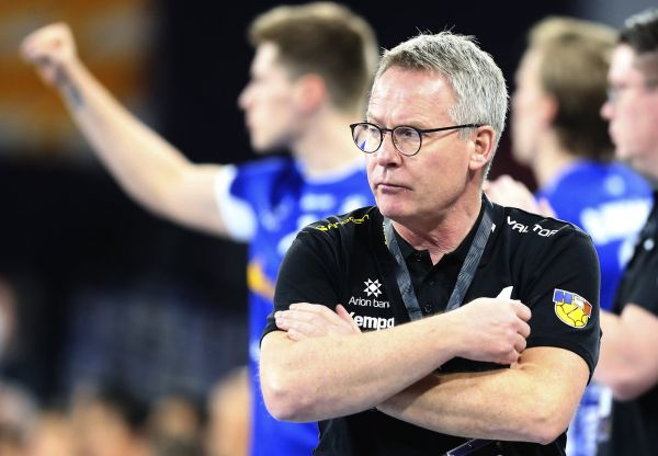 epa08947117 Iceland?s coach Gudmundur Gudmundsson reacts during the match between Iceland and Morocco at the 27th Men's Handball World Championship in Cairo, Egypt, 18 January 2021.  EPA-EFE/Khaled Elfiqi / POOL