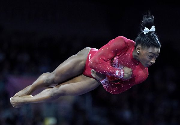 epa07915476 Simone Biles of USA competes in the Vault women's Final at the FIG Artistic Gymnastics World Championships in Stuttgart, Germany, 12 October 2019.  EPA-EFE/RONALD WITTEK